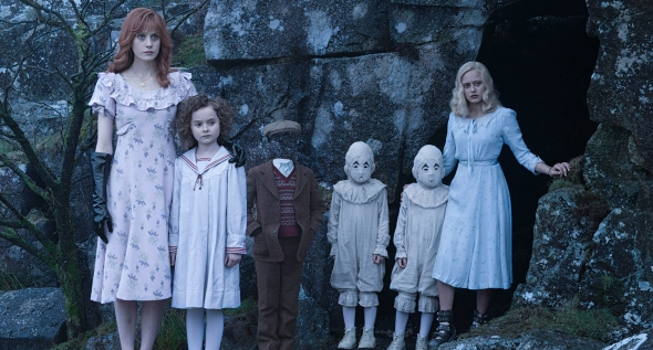 Miss Peregrine y los niños peculiares (Miss Peregrine´s Home for Peculiar Children) - c i n e m a r a m a