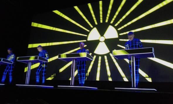 Kraftwerk en el Luna Park - c i n e m a r a m a
